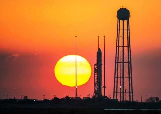 天鹅飞船爆炸引担忧:私企玩太空是否靠谱?