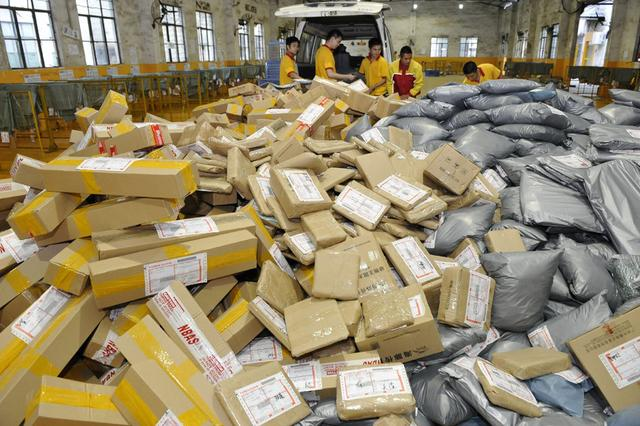中国已成全球第一网购和快递大国 电商物流从业者203万