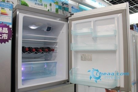 新潮无边框设计 新飞创意三门冰箱大热