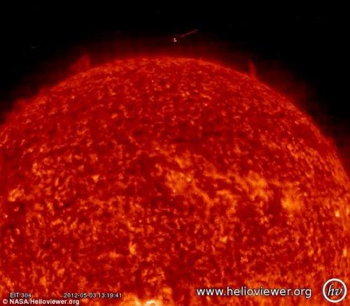 传发现太阳UFO身影 NASA毁外星人存在证据