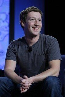 Facebook推全新个人简介页面 强调照片功能