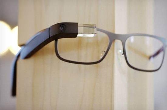 谷歌眼镜升级:电池续航提升/移除视频通话