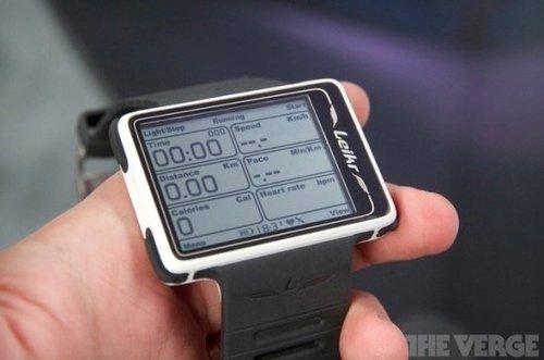 CES高科技手表盘点 智能进化可查邮件和短信