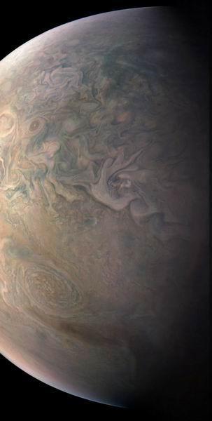 朱诺号探测器观测木星表面大型反气旋风暴