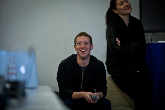 扎克伯格提升持股比例 坚信Facebook股价被低估