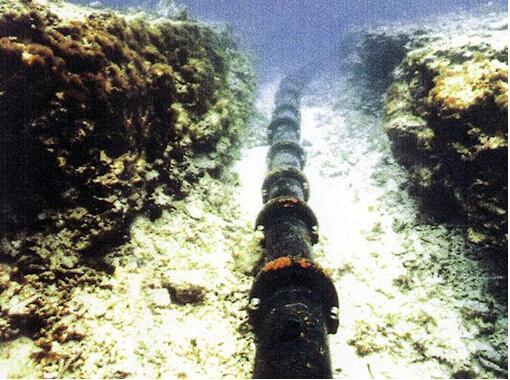 [科技不怕问]海底光缆是怎么铺设的?
