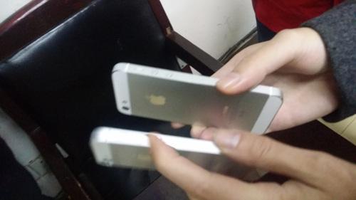 【转载】男子网购真机退货用模型 10部iPhone被调包