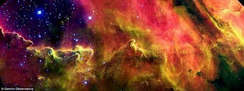 迷幻多彩泻湖星云呈现神秘恒星诞生混沌环境