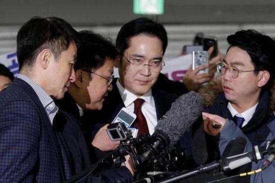 韩国法院驳回独立检察组申请 三星继承人免受牢狱之灾