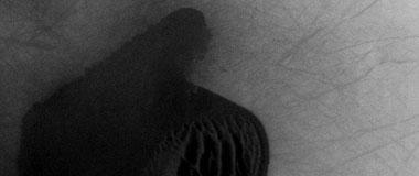 火星表面发现奇特沙丘外形像大拇指手势