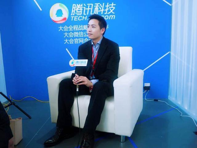 专访柔宇科技刘自鸿:柔性显示屏能替代手机PC