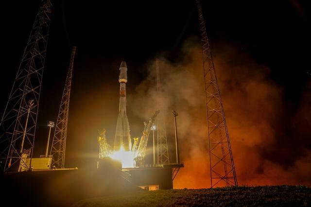 欧洲伽利略导航系统两颗新卫星升空