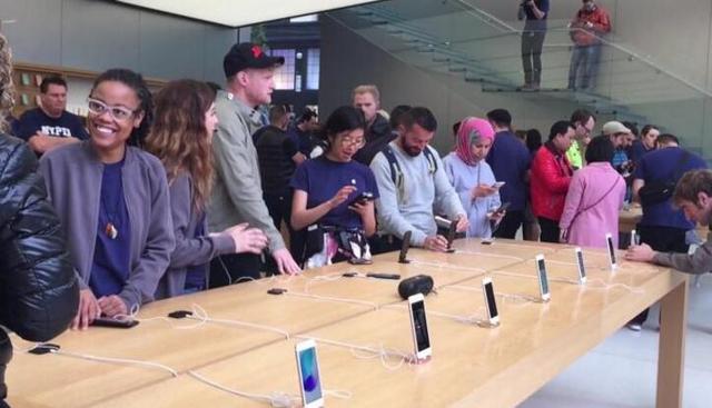 iPhone十周年版难有新突破 智能手机技术已成熟