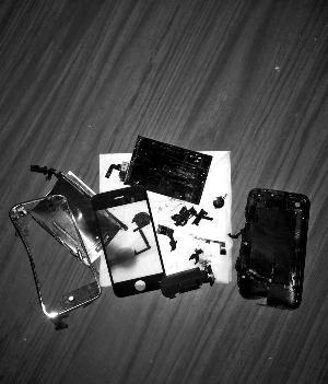 iPhone待机状态爆炸 苹果客服称或系电池老化