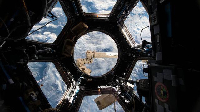 貝索斯重資投入空間探索 未來百萬人上太空生活