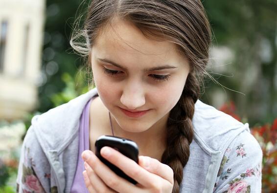 低头族当心!智能手机会加重你各种瘾症