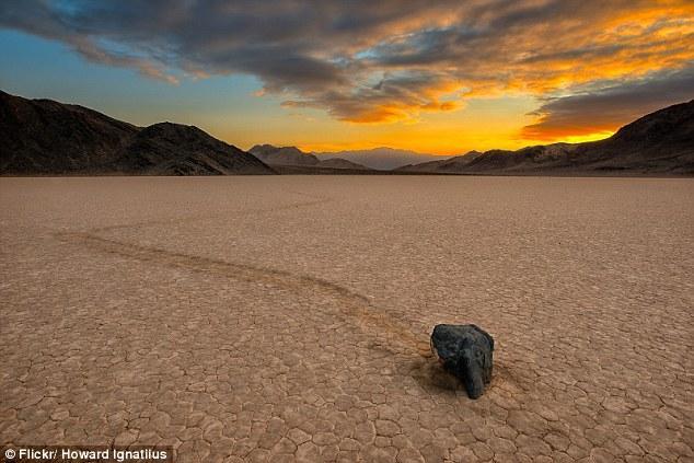 科学家终于解开美国死亡谷巨石移动之谜