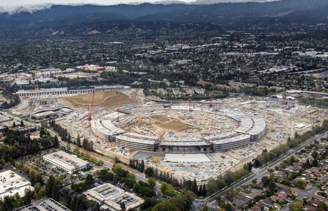 蘋果新總部大樓建設進度神速 五棟建筑已封頂