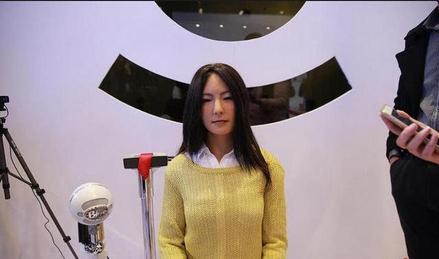为什么人工智能机器人都是女性