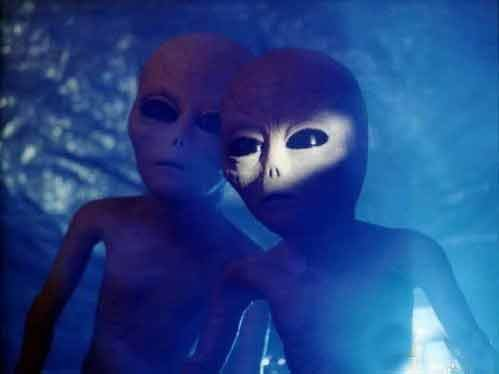 飞碟吊足众人胃口 专家称25年后外星人或现身
