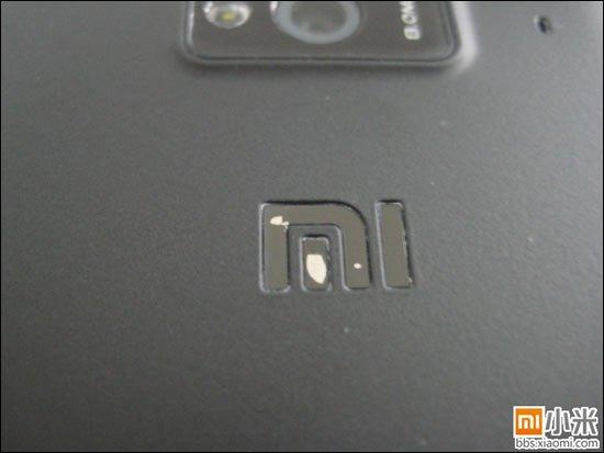 小米手机陷入掉漆门:工程机掉漆 摄像头进灰