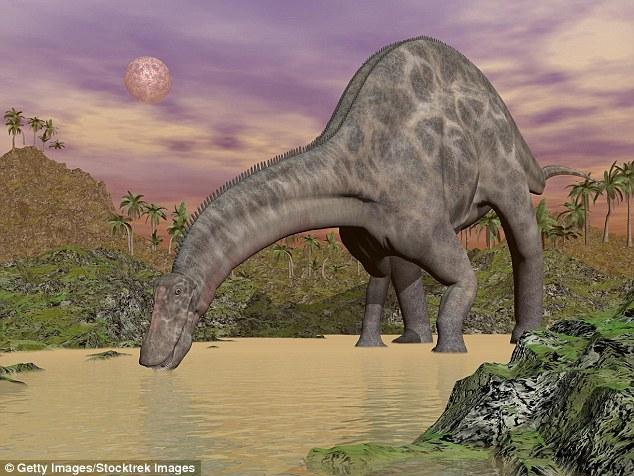 """你喝的每一杯水中都有""""恐龙尿"""""""