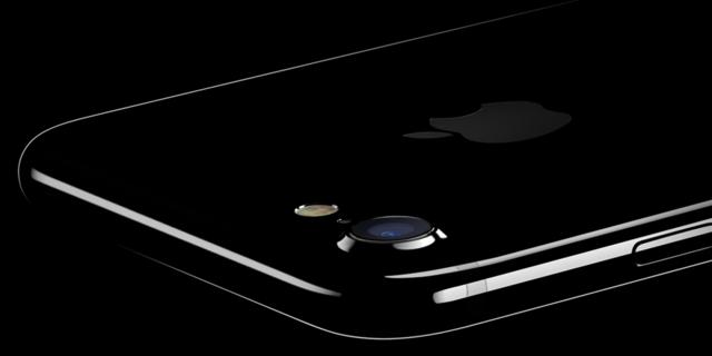 iPhone 7预订首日美国运营商销量创纪录 是iPhone 6的4倍
