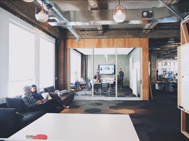Medium公司动荡内幕:硅谷亿万富翁和他的新闻理想主义