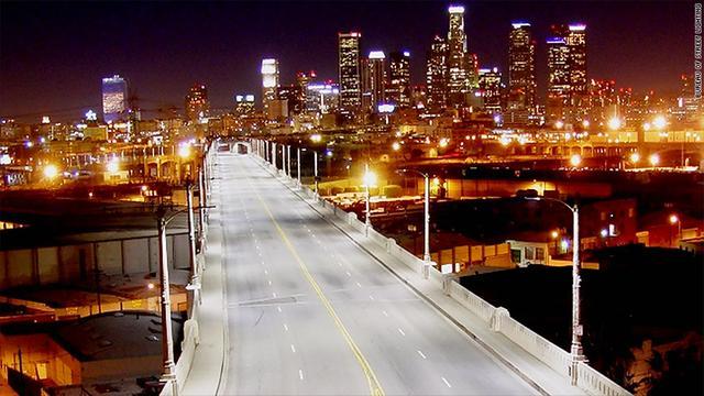 """洛杉矶的""""互联网+: 所有路灯全部联网"""