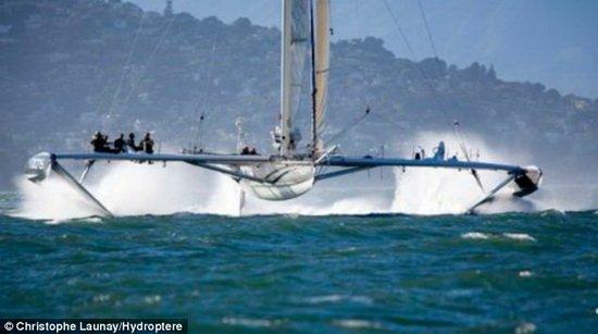 """法国设计新型""""飞艇"""" 可以在水面上起飞"""