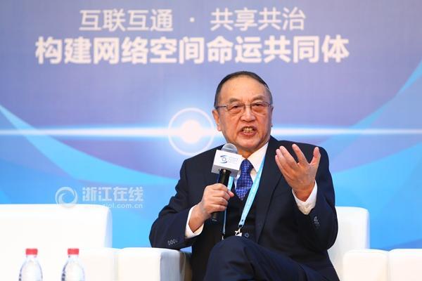 柳传志:中国互联网应用走在世界前列