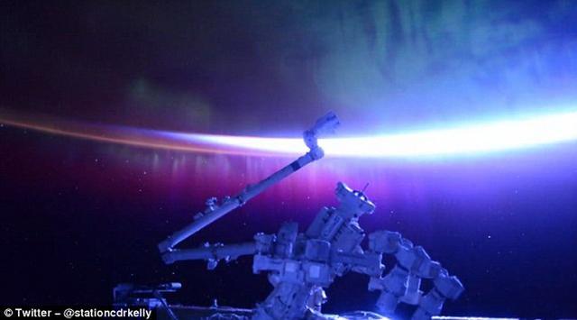 美国宇航员太空拍摄壮观的北极光