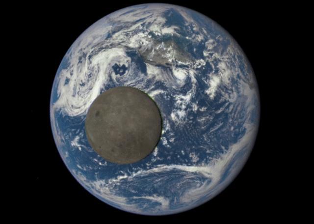 最新观测图像呈现月球掠过地球的罕见一幕