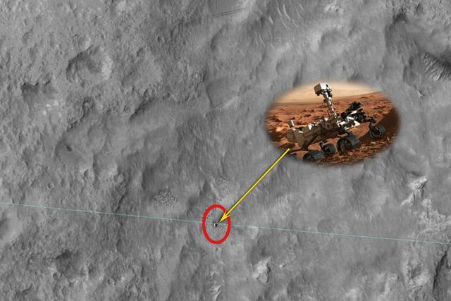 美国卫星拍摄到在火星表面爬行的好奇号