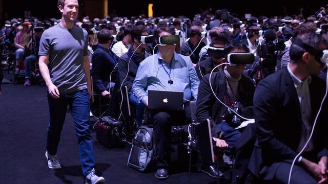扎克伯格的意外亮相或将开启社交的VR时代