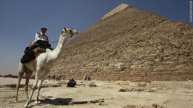 考古学家发现了埃及吉萨大金字塔的BUG