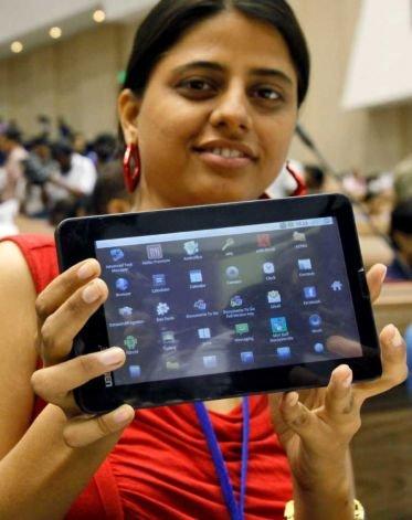 印度推300元廉价平板电脑 首月订单达iPad水准