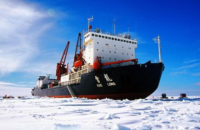 """""""雪龙号""""科考:南极冰盖最高点的环保行动"""