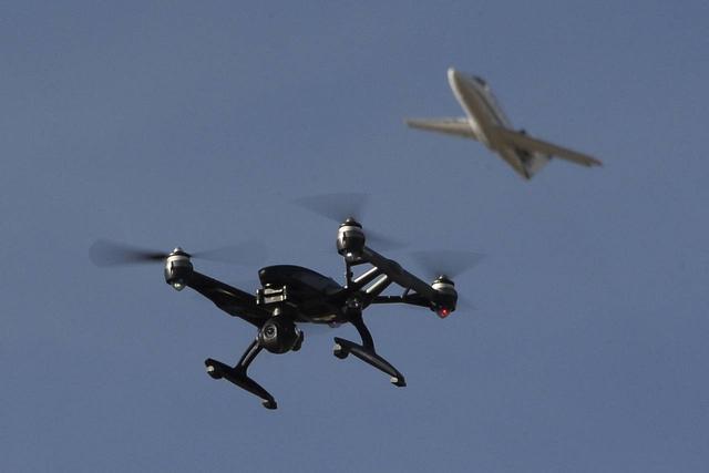 美国提出无人机监管新方案:卫星追踪