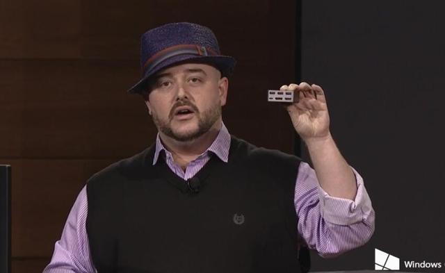 他是产品发布会上明星级人物 却被微软无情解雇了