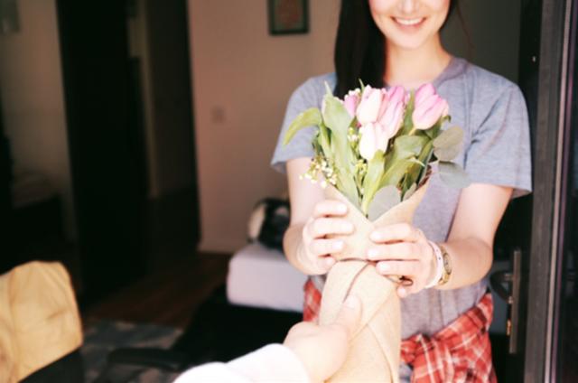 情人节期间鲜花配送员日收入过千