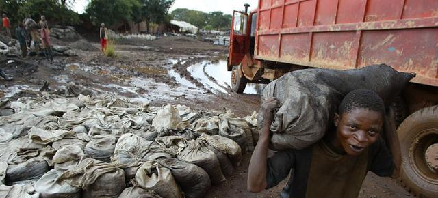 非洲童工事件让三星苹果遭炮轰