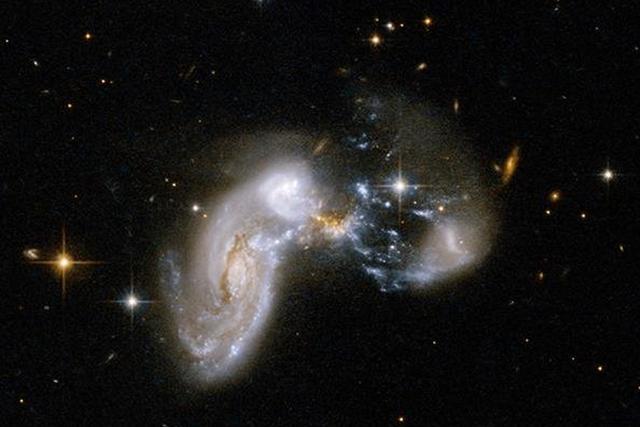 90亿年前早期星系恒星生成效率远高于现在