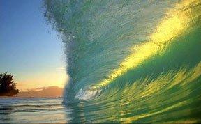 摄影师展现海浪内部完美景象