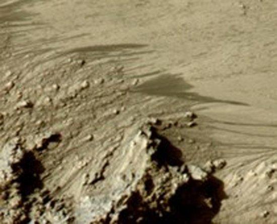 火星存在液态水新证据 液态盐水或可短期存在
