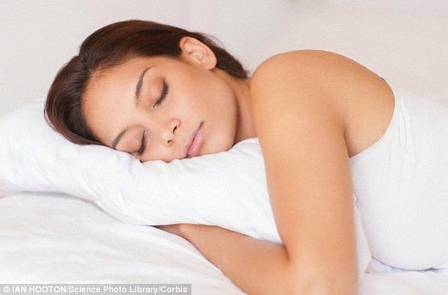 """科学家发现大脑""""睡眠开关"""" 有助于治疗失眠"""