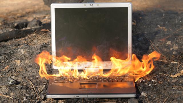 Vaio笔记本电池可能是火灾隐患?索尼正紧急召回