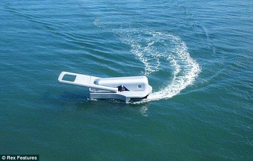 日本艺术家发明拉链外形的摩托艇(组图)