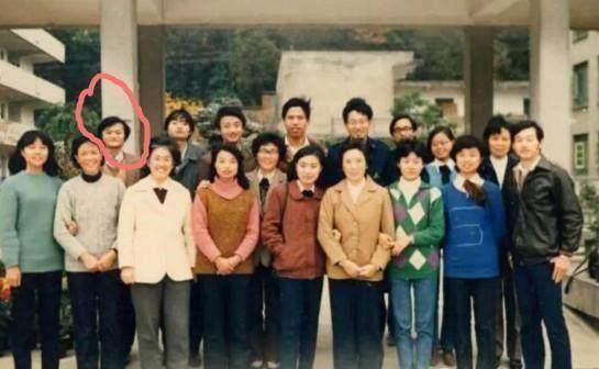 有地位就是不一样!马云20年前后的同学合照简直天差地别