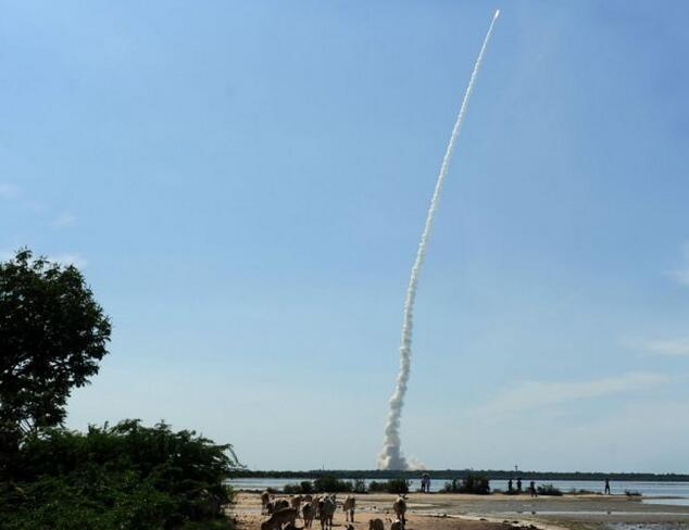 印度一枚火箭发射20颗卫星 追平中国创造的亚洲纪录
